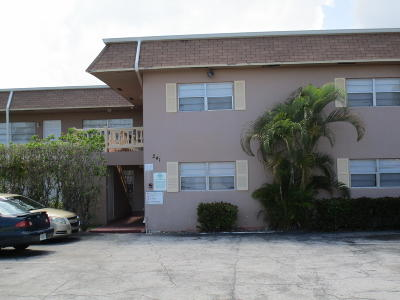 Pompano Beach FL Condo For Sale: $79,000