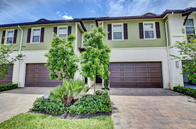 Boca Raton Townhouse For Sale: 6676 Quiet Wave Trail #55