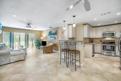 Delray Beach Condo For Sale: 315 Venetian Drive #7