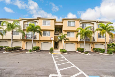 Royal Palm Beach Condo Contingent: 500 Crestwood Court #513
