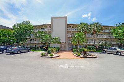 Coconut Creek Condo For Sale: 2002 Granada Drive #C4