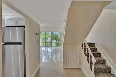 Coral Springs Condo For Sale: 8401 W Sample Road #8