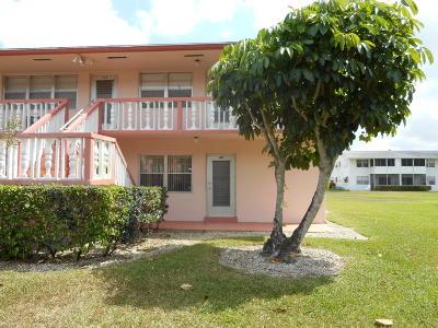 West Palm Beach Condo For Sale: 265 Norwich L
