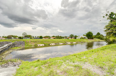 Residential Lots & Land For Sale: 682 SW Dalton Circle