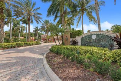 Jensen Beach Condo For Sale: 3677 NW Adriatic Lane #304