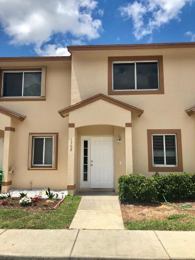 Royal Palm Beach Townhouse For Sale: 1702 Lakeview Drive