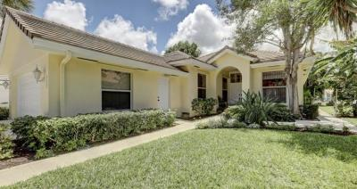 Jupiter Single Family Home For Sale: 252 Hampton Place