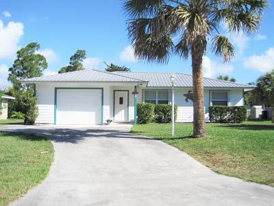 Hobe Sound Single Family Home Contingent: 6159 SE Poinciana Lane