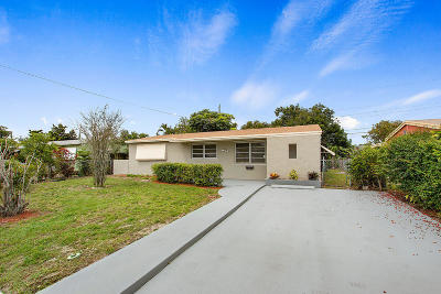 Hollywood Single Family Home For Sale: 1210 70th Terrace