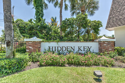 Palm Beach Gardens Condo Pending: 11518 Landing Place #B4