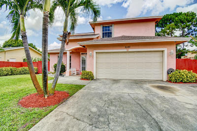 Delray Beach Single Family Home For Sale: 5197 Pine Tree Drive