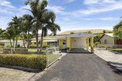 North Palm Beach Single Family Home For Sale: 1890 Kathy Lane
