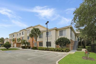 Palm Beach Gardens Condo For Sale: 2111 Myrtlewood Circle E