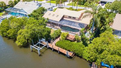 Hobe Sound Single Family Home For Sale: 8848 SE Marina Bay Drive