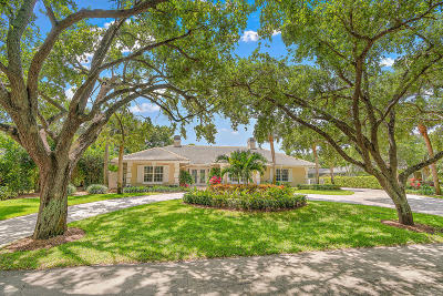 Tequesta Single Family Home For Sale: 10410 SE Banyan Way