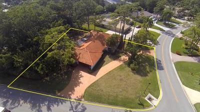Atlantis Single Family Home For Sale: 542 S Country Club Drive S