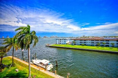 North Palm Beach Condo For Sale: 100 Paradise Harbour Boulevard #507