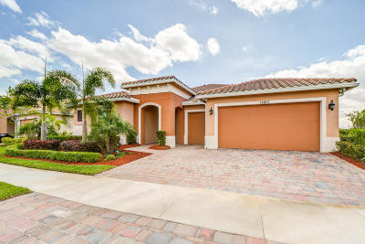 Port Saint Lucie Single Family Home For Sale: 12103 SW Bayberry Avenue
