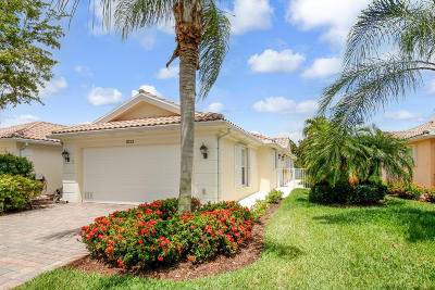 Hobe Sound Single Family Home For Sale: 8733 SE Retreat Drive
