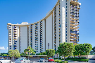 West Palm Beach Condo For Sale: 2450 Presidential Way #1805