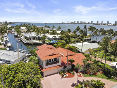 Riviera Beach Single Family Home For Sale: 130 Riviera Drive