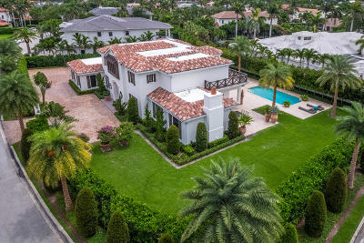 Mizner Court, Mizner Court Cond I, Royal Palm Yacht & Cc, Royal Palm Yacht & Country Club, Royal Palm Yacht And Country Club, Royal Palm Yacht And Country Club Sub In Pb 26 Pgs, Royal Palm Yacht And Country Club Subdivision Single Family Home For Sale: 2121 E Maya Palm Drive