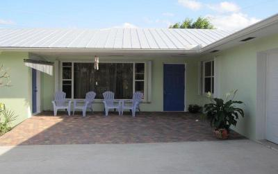 Juno Beach Single Family Home For Sale: 390 Jupiter Lane