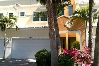 Pompano Beach Townhouse For Sale: 3425 Norfolk Street
