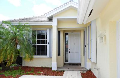 Fort Pierce Single Family Home For Sale: 9441 Poinciana Court