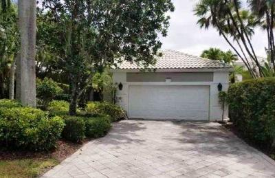Delray Beach Single Family Home For Auction: 16052 Villa Vizcaya Place