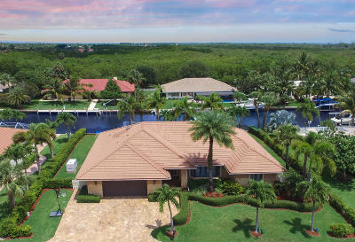 Hobe Sound Single Family Home For Sale: 9015 SE Harbor Island Way