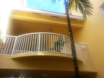 Royal Palm Beach Condo For Sale: 2014 Shoma Drive #173