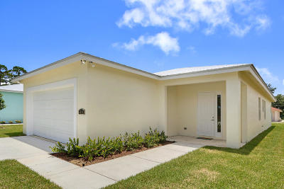 Jupiter Single Family Home For Sale: 6878 3rd Street