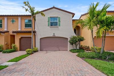 Palm Beach Gardens Townhouse For Sale: 4531 Mediterranean Circle