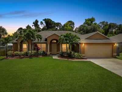Port Saint Lucie Single Family Home For Sale: 526 SW Comet Terrace