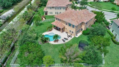 West Palm Beach Single Family Home For Sale: 527 Cresta Circle
