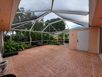 Palm Beach Gardens Townhouse For Sale: 2802 Lakemont Court #2802