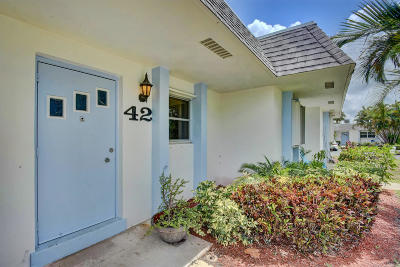 West Palm Beach Single Family Home For Sale: 2638 Gately Drive E #42