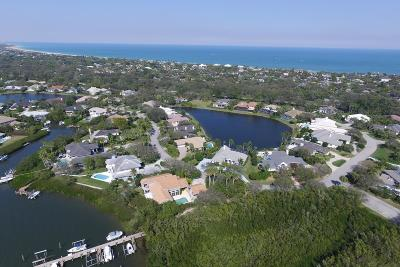 Vero Beach Single Family Home For Sale: 215 Riverway Drive