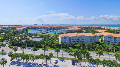 Fort Pierce Condo For Sale: 36 Harbour Isle Drive W #304