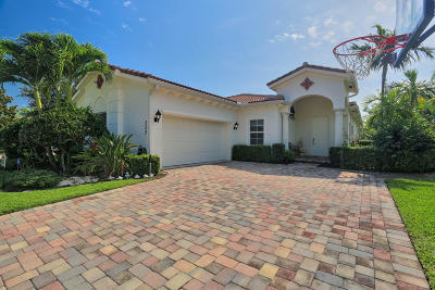 Jupiter Single Family Home For Sale: 222 Umbrella Place