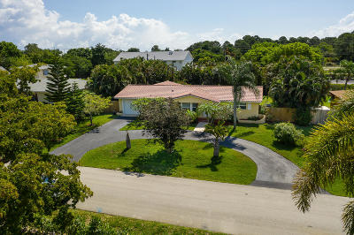 Boynton Beach Single Family Home For Sale: 3240 Churchill Drive