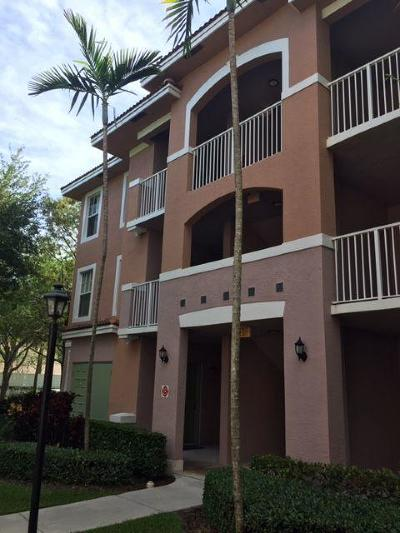 Coral Springs Condo For Sale: 6668 W Sample Road #6668