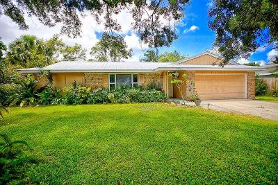 Jupiter Single Family Home For Sale: 19895 Jasmine Drive