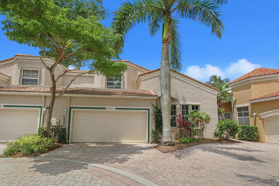 West Palm Beach Townhouse For Sale: 7631 Iris Court