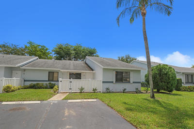 West Palm Beach Single Family Home For Sale: 2641 Gately Drive W #206