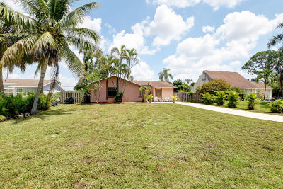 Delray Beach Single Family Home For Sale: 5095 Woodland Drive