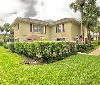 Royal Palm Beach Townhouse Contingent: 18 Amherst Court #D