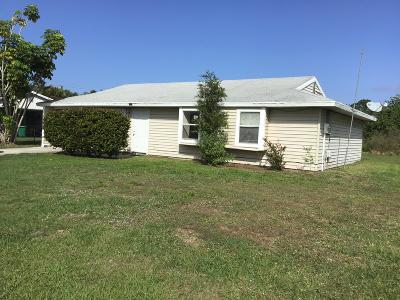 Port Saint Lucie Single Family Home Contingent: 1807 SE Vesthaven Court