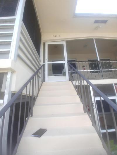 West Palm Beach Condo For Sale: 206 Stratford O #A